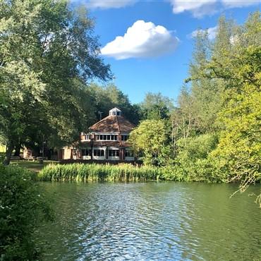 November Lunch Club,Inn on the Lake, Milton Keynes
